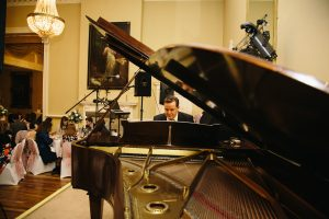 UK wedding pianist available to hire for your Wedding Reception